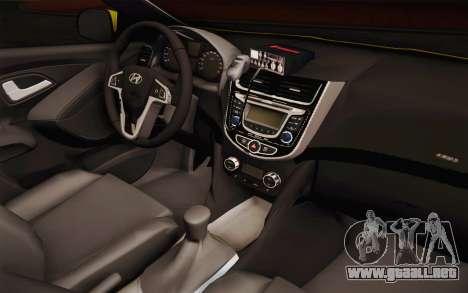 Hyundai Accent Taxi 2013 para visión interna GTA San Andreas