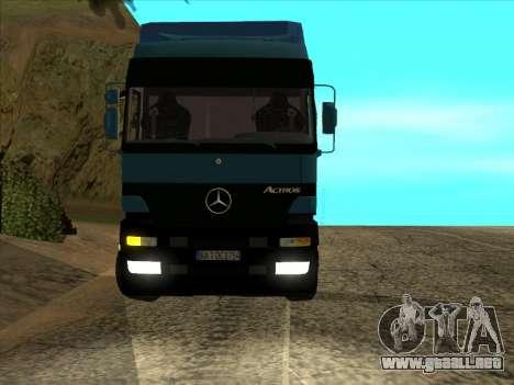 Mercedes-Benz Actros 1840 para GTA San Andreas vista hacia atrás