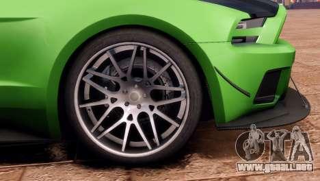 Ford Mustang GT 2014 Custom Kit para GTA 4 Vista posterior izquierda