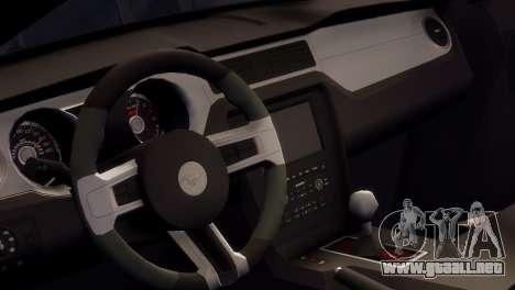 Ford Mustang GT 2014 Custom Kit para GTA 4 vista lateral