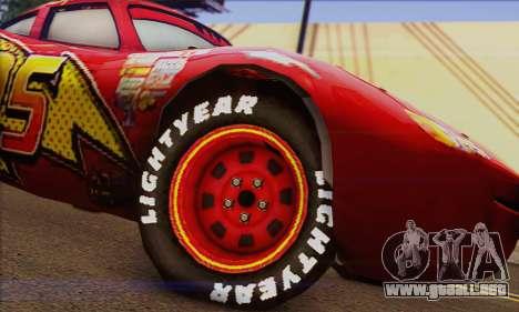 Lightning McQueen para GTA San Andreas vista posterior izquierda