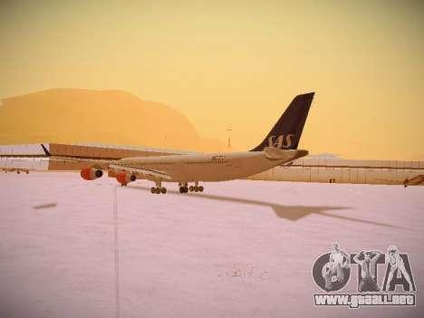 Airbus A340-300 Scandinavian Airlines para GTA San Andreas vista posterior izquierda