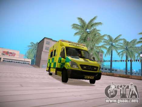 Mercedes-Benz Sprinter London Ambulance para GTA San Andreas left