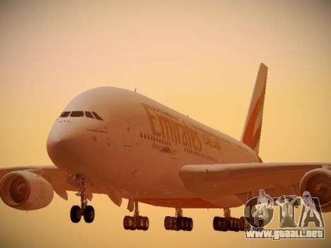 Airbus A380-800 Emirates para GTA San Andreas left