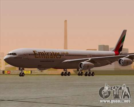 Airbus A340-313 Emirates para GTA San Andreas vista posterior izquierda