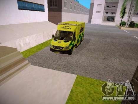Mercedes-Benz Sprinter London Ambulance para GTA San Andreas vista hacia atrás