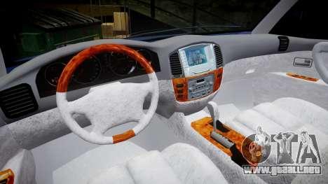 Toyota Land Cruiser para GTA 4 vista hacia atrás