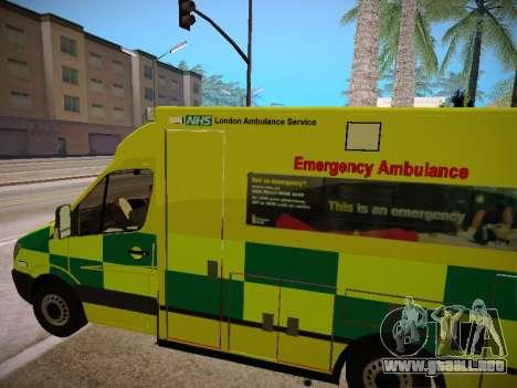 Mercedes-Benz Sprinter London Ambulance para vista lateral GTA San Andreas