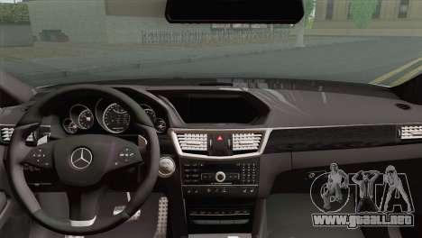 Mercedes-Benz E63 AMG 2014 ДПС para GTA San Andreas vista posterior izquierda