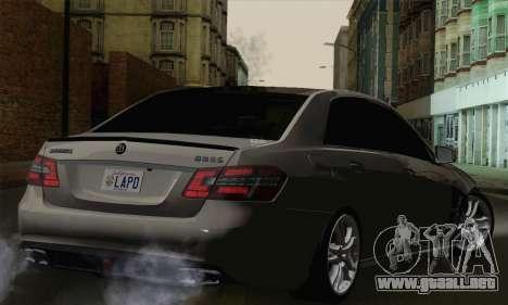 Mercedes-Benz W212 para GTA San Andreas left