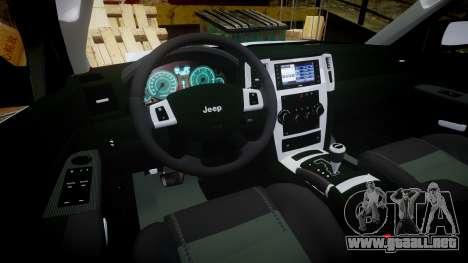 Jeep Grand Cherokee SRT8 stock para GTA 4 vista hacia atrás