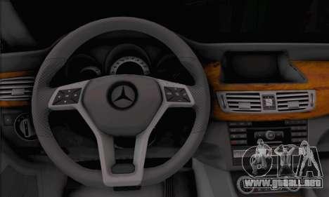 Mercedes-Benz CLS 63 para GTA San Andreas vista posterior izquierda
