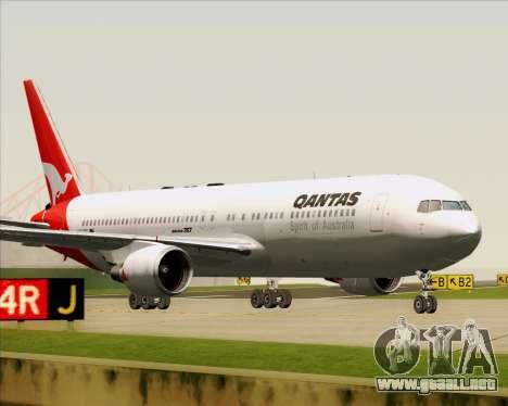 Boeing 767-300ER Qantas (Old Colors) para GTA San Andreas left