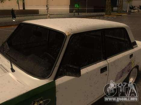 VAZ 2105 Rusty comedero para GTA San Andreas vista posterior izquierda