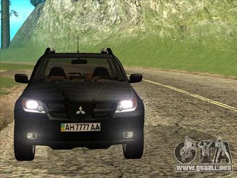 Mitsubishi Outlander para GTA San Andreas vista posterior izquierda