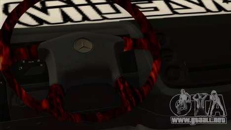 Mercedes-Benz Atego Hal Kamyonu para la visión correcta GTA San Andreas