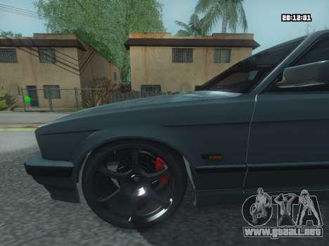 BMW 525 E34 Tune para GTA San Andreas vista posterior izquierda