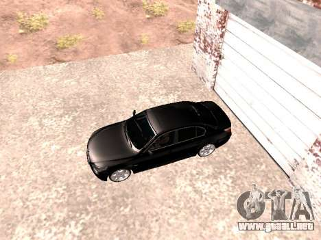 BMW 525i (e60) para GTA San Andreas vista posterior izquierda