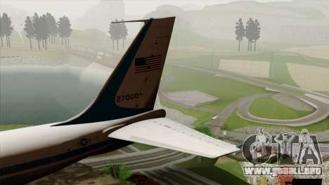 Boeing VC-137 para GTA San Andreas vista posterior izquierda