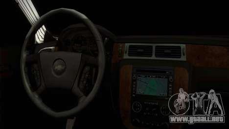 Chevrolet Suburban Plateada para la visión correcta GTA San Andreas