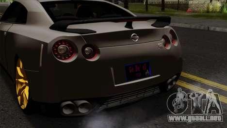 Nissan GT-R R35 2012 para GTA San Andreas vista hacia atrás
