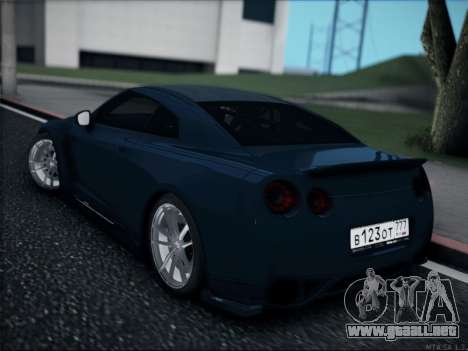 Nissan GT-R para GTA San Andreas left