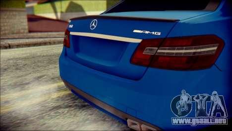Mercedes-Benz AMG para GTA San Andreas vista hacia atrás