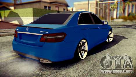 Mercedes-Benz AMG para GTA San Andreas left
