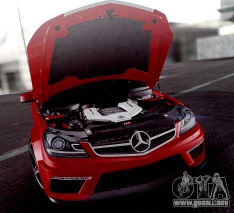 Mercedes-Benz C63 AMG 2013 para vista inferior GTA San Andreas