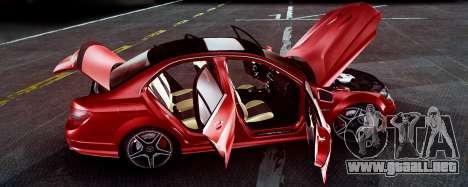Mercedes-Benz C63 AMG 2013 para GTA San Andreas vista hacia atrás