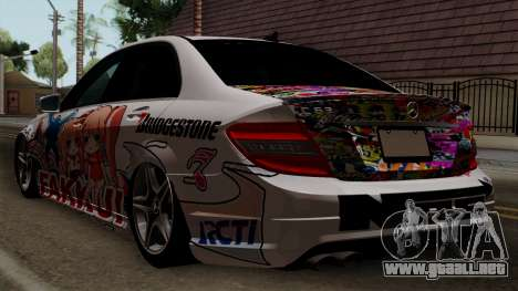 Mercedes-Benz C63 AMG Momoka and Nonoka Itasha para GTA San Andreas left