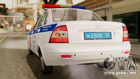 Lada 2170 Priora de la policía de tráfico de la  para GTA San Andreas vista posterior izquierda