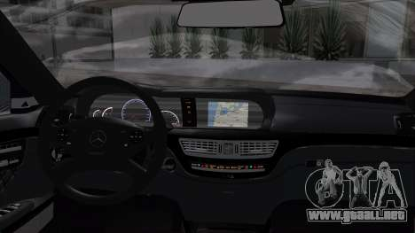 Mercedes-Benz W221 para GTA San Andreas vista posterior izquierda