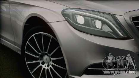 Mercedes-Benz S500 W222 para la visión correcta GTA San Andreas
