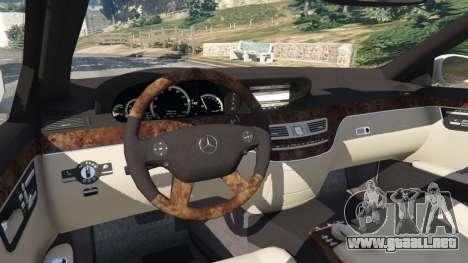 GTA 5 Mercedes-Benz S550 W221 v0.5 [Alpha] vista lateral trasera derecha