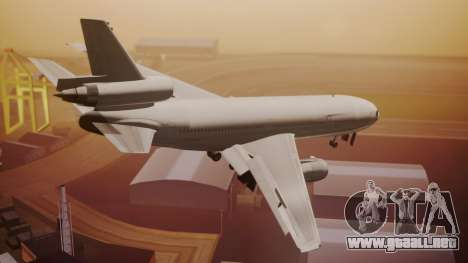 DC-10-30 All-White Livery (Paintkit) para GTA San Andreas left