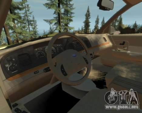 2003 Ford Crown Victoria para GTA 4 vista hacia atrás