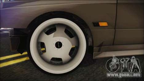 BMW M3 E30 Camber para GTA San Andreas vista posterior izquierda
