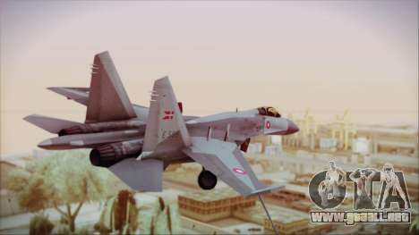 Sukhoi SU-27 Royal Danish Air Force para GTA San Andreas left