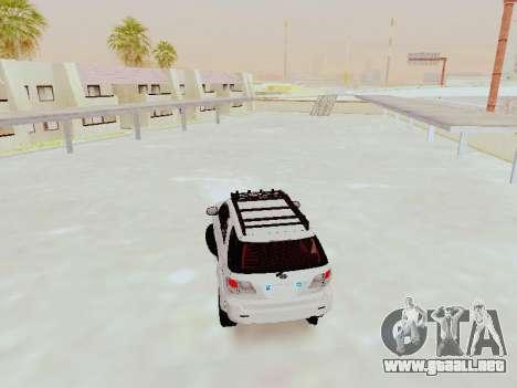 Toyota Fortuner 4WD 2015 Rustica V2 para GTA San Andreas vista posterior izquierda
