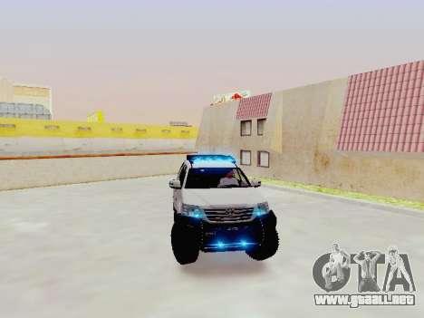 Toyota Fortuner 4WD 2015 Rustica V2 para la visión correcta GTA San Andreas