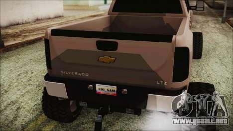 Chevrolet Silverado Triple Door para GTA San Andreas vista hacia atrás