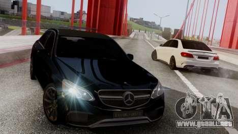 Mercedes-Benz E63 AMG PML Edition para GTA San Andreas left
