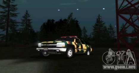 Chevrolet Suburban De Camuflaje para GTA San Andreas vista hacia atrás