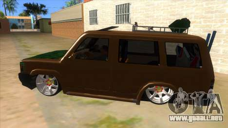 Toyota Kijang Grand Extra Full para GTA San Andreas left