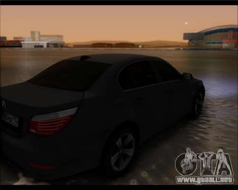 BMW 530xd stock para GTA San Andreas left