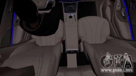 Mercedes-Benz w222 para GTA 4 vista hacia atrás