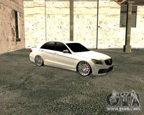 Mercedes-Benz E63 AMG para GTA San Andreas left