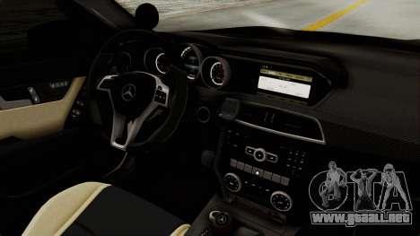 Mercedes-Benz C63 AMG 2010 Police v2 para visión interna GTA San Andreas