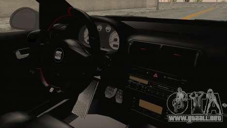 Seat Leon CupraR 2003 para visión interna GTA San Andreas